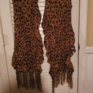 Animal print scalloped scarf